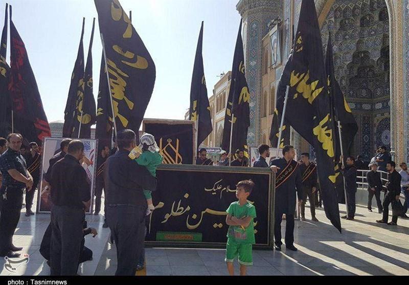 پرچم عزای امام حسین (ع) در استان بوشهر به اهتزاز درآمد