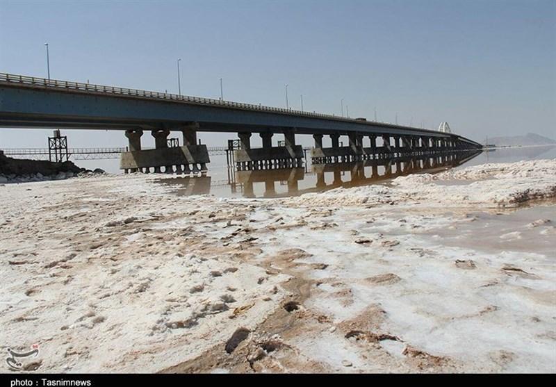 توفانهای نمکی دریاچه ارومیه 12 شهرستان آذربایجانشرقی را تحت تأثیر قرار داد