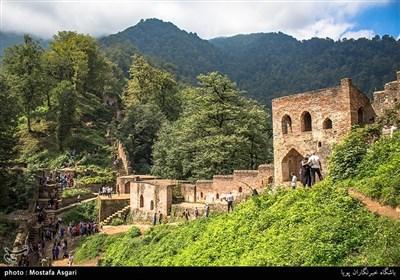 برخی از کارشناسان ، ساخت قلعه را در دوران ساسانیان دانستهاند