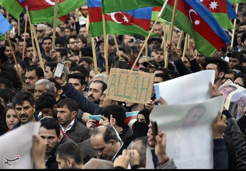 Azerbaycan'da Gençlerin Ve Çocukların Dini Merasimlere Katılması Yasaklanıyor