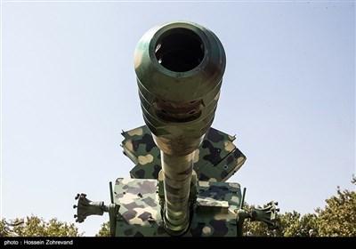 ایران میں جدید ہتھیاروں اور فوجی ساز و سامان کی رونمائی