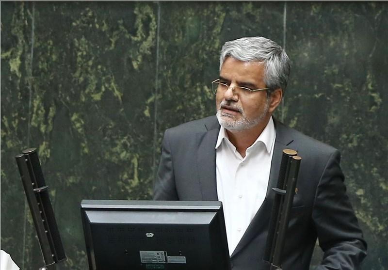 """محمود صادقی: اداره وزارت علوم با سرپرست """"خلاف قانون"""" است"""