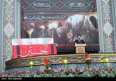 حرم امام رضا علیہ السلام میں شہید محسن حججی کے پیکر کی الوداعی تقریب