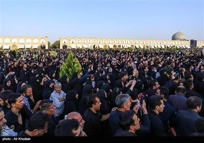 اصفہان کے عوام نے بھی شہید حججی کے پیکر پاک الوداع کہدیا