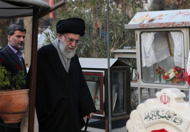 """امام خامنہ ای: """"شہادت"""" خداوند متعال کا اپنے برگزیدہ بندوں کیلئے ایک تحفہ ہے"""