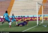 دیدار تیمهای فوتبال سیاه جامگان و پیکان