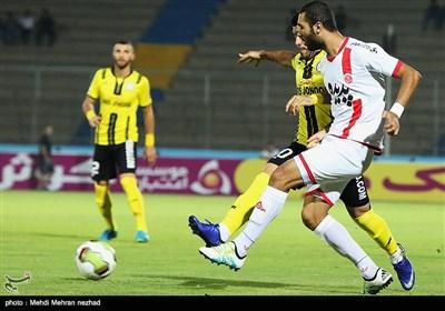 دیدار تیمهای فوتبال پارس جنوبی جم و پدیده مشهد