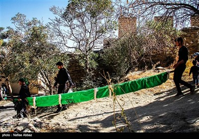 آیین سنتی مذهبی علم گردانی در روستای هزاوه