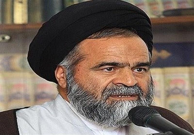 """""""امر به معروف""""یکی از درسهای مهم قیام امام حسین(ع) است"""