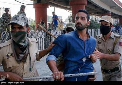 حمله پلیس هند به مراسم عزاداری ماه محرم - کشمیر