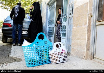 توزیع بسته های غذایی در مناطق محروم تهران