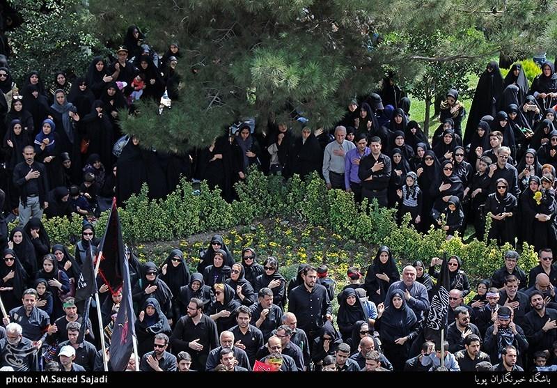 بالصور.. مراسم العزاء الحسینی فی طهران