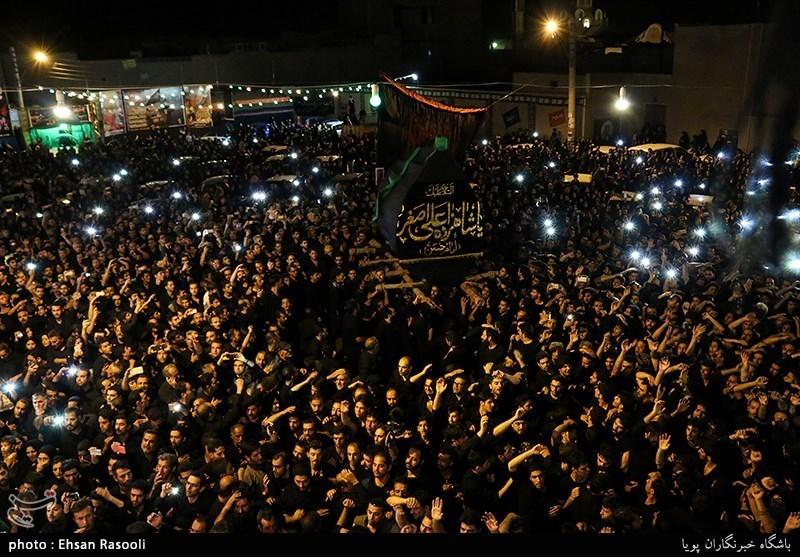 بالصور.. مراسم العزاء الحسینی فی کاشان