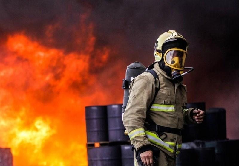 آتشسوزی کارخانه واکس در تبریز مهار شد