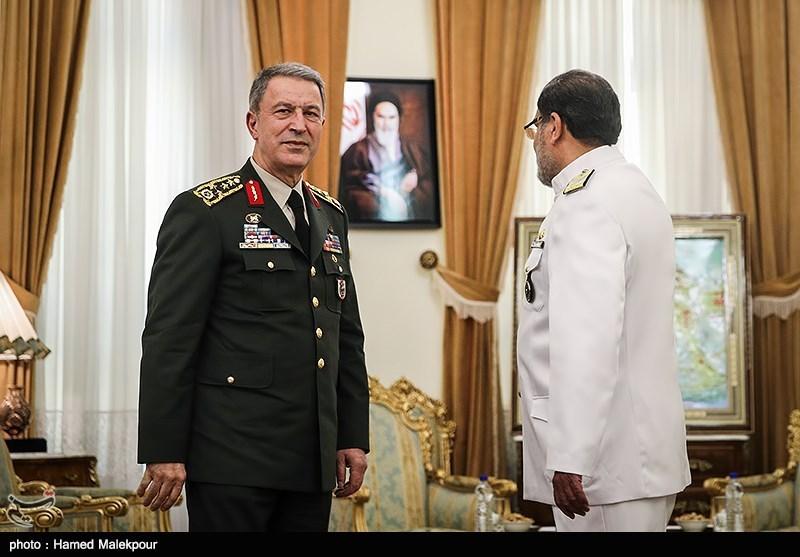 ماهی النقاط الثلاث المهمة التی تم بحثها خلال زیارة رئیس ارکان الجیش الترکی الى ایران؟