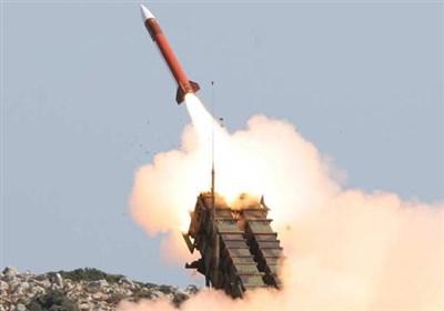 مشاهد لحظة إطلاق صاروخ مجنح من نوع کروز على مفاعل براکة النووی فی أبوظبی
