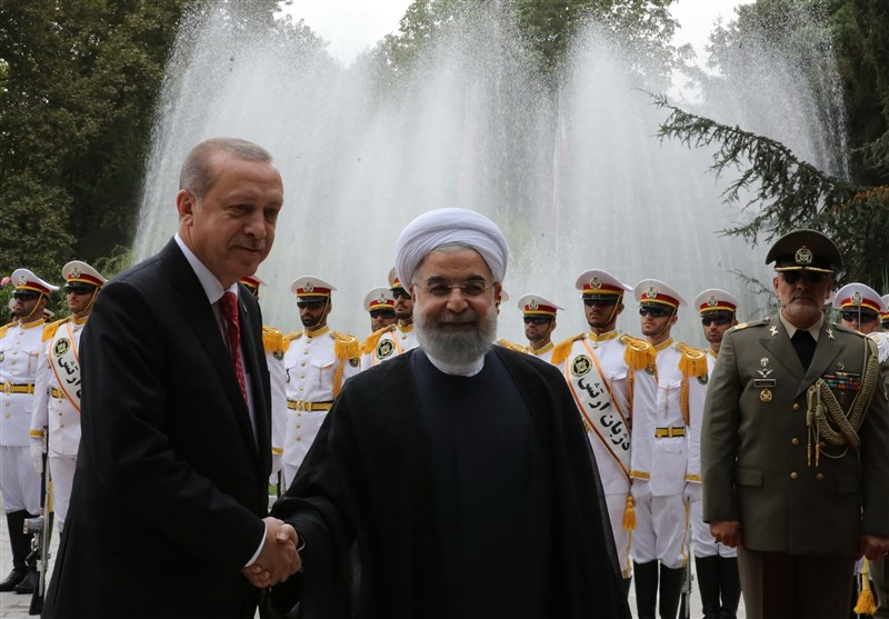 Iran, Turkey Ink 4 Agreements