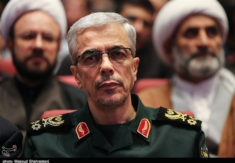 Chief of Staff of Iranian Armed Forces Congratulates Leader on Fall of Daesh