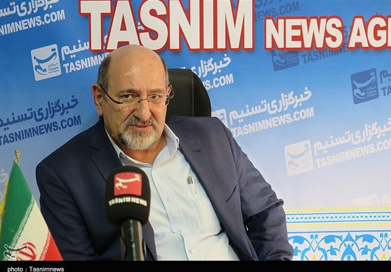 شهردار اراک در تصمیمگیریها مشورت بیشتری با شورا داشته باشد