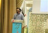 شعرخوانی رضا قاسمی در اولین سالگرد محفل شعر«قرار»+ فیلم