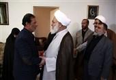 """امام جمعه قزوین با خانواده """"شهید عالمباقری"""" دیدار کرد"""