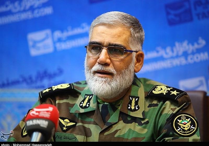ایران خواهان گسترش روابط دفاعی و آموزشی با عمان است