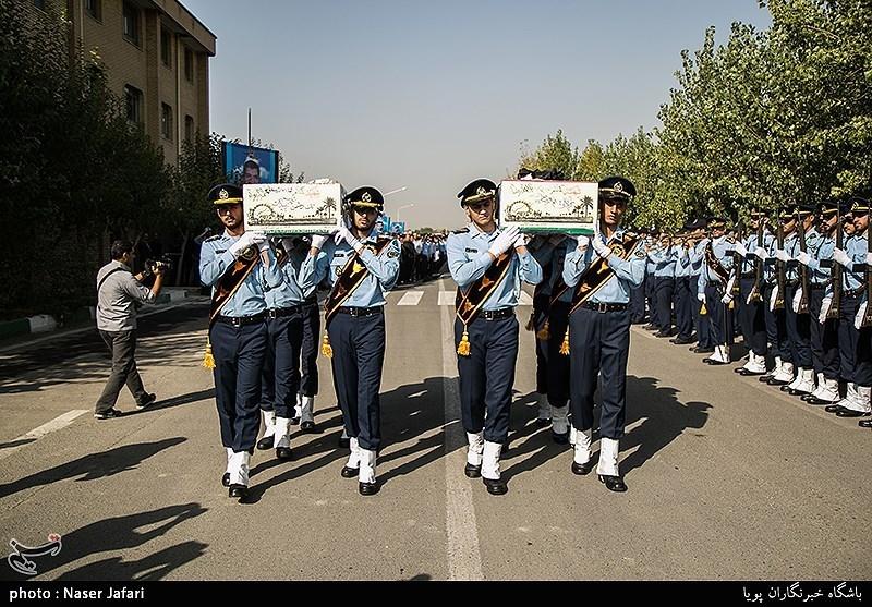 خاکسپاری 2 شهید گمنام در شهرک آسمان نیروی هوایی ارتش+ تصاویر