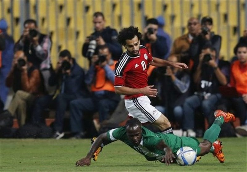 تفتیش بدنیِ عامل صعود مصر به جام جهانی در فرودگاه قاهره + عکس