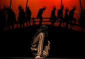نمایش «اسبها» روایتی نوآورانه از واقعه عاشورا در تالار هنر اصفهان بهروی صحنه میرود