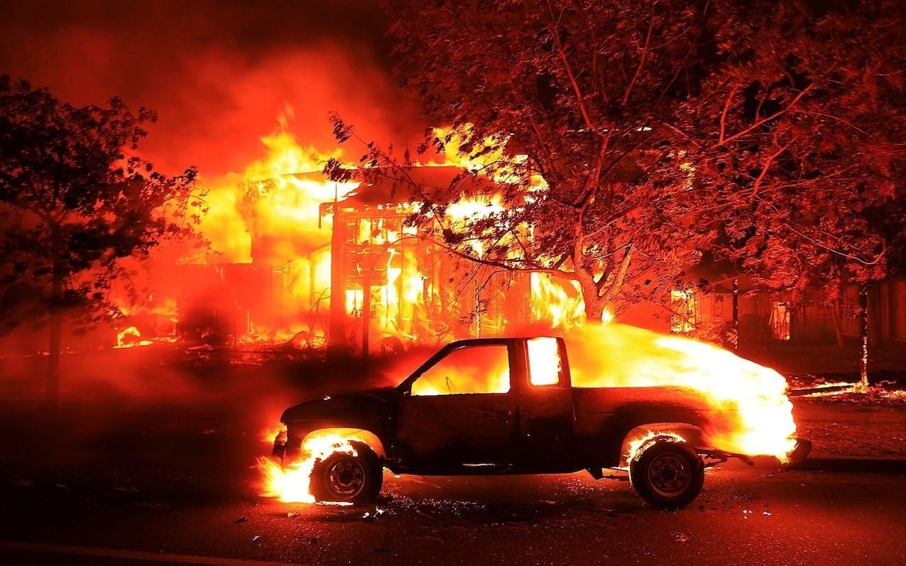 شمار تلفات آتشسوزی کالیفرنیا به 10 تن رسید+تصاویر