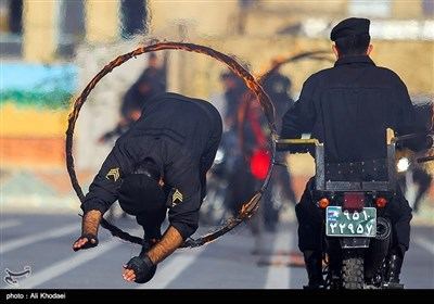 ایرانی پولیس کی جنگی مشقوں کے دوران طاقت کا مظاہرہ