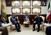 دیدار فرمانده نیروی هوایی عمان با معاون سرلشکر باقری