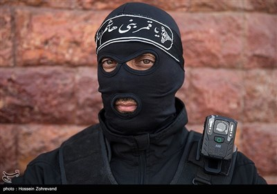 نصب دوربین روی لباس پلیس
