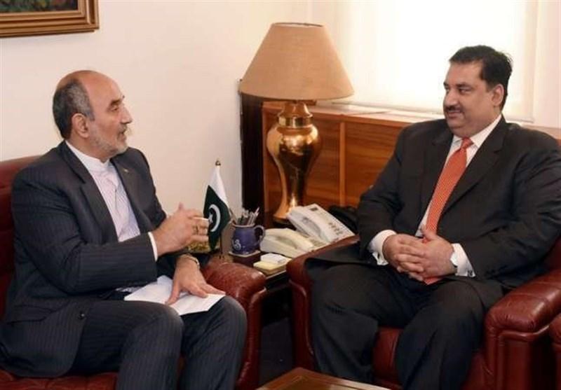 اسلام آباد، ایرانی سفیر کی وزیر دفاع سے اہم ملاقات