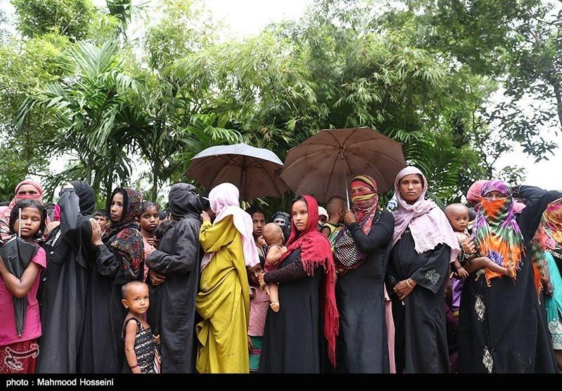 گزارش خبرنگار اعزامی تسنیم به بنگلادش دولتی که مردم خود را میکشد + تصاویر خیرین ایران در بنگلادش آشپزخانه راهاندازی کنند وضعیت آوارگان مسلمان میانمار بسیار بد/ تشریح اقدامات ایران سومین محموله کمکهای ایران برای مسلمانان میانمار تحویل شد
