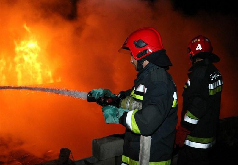 جزییات آتش سوزی در بازار ریسمان و شهرک صنعتی امیرکبیر اصفهان+تصاویر