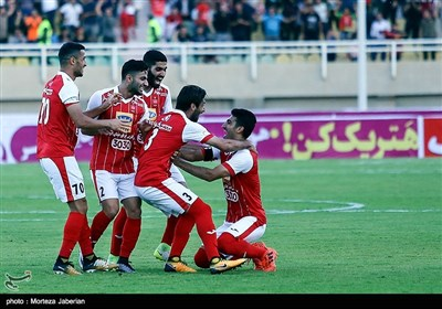 دیدار تیمهای فوتبال استقلال خوزستان و پرسپولیس - اهواز