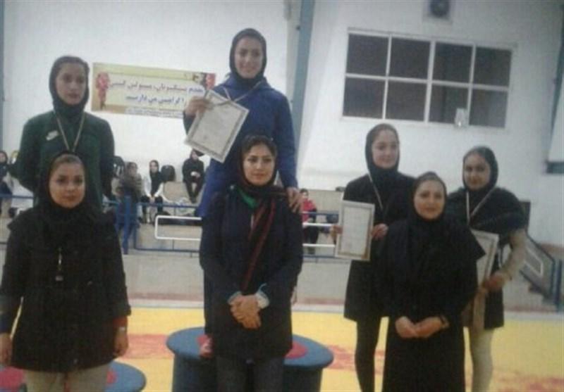 ساری قهرمان تیم کشتی بانوان مازندران شد