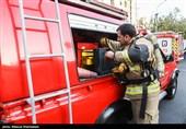 نجات چند کودک از میان دود و آتش در خیابان هاشمی + فیلم و عکس