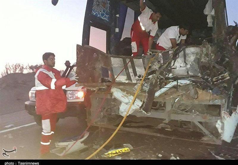 زنجان| تصادف اتوبوس با پراید 4 کشته برجای گذاشت