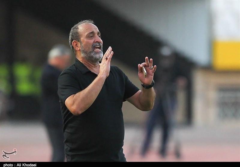 مدیرعامل باشگاه کارون اروند: اطرافیان میثاقیان با بازیکنان تیم تماس گرفتند و تمرکز آنها را به هم ریختند!