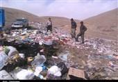 """سایت زباله """"دهدشت"""" تهدیدی برای سلامت اهالی منطقه/ متولیان امر همچنان از زیرِ بار مسئولیت شانه خالی میکنند"""