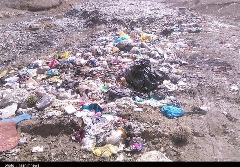 بوی تعفنزباله زندگی را برای مردم دیواندره سخت کرده است+عکس