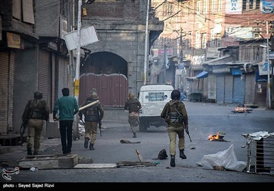 Police, Protesters Clash in Kashmir