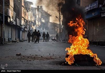 درگیری نیروهای امنیتی هند و مردم در کشمیر