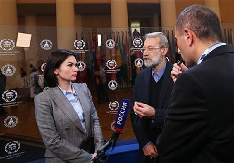 Laricani: Trump, İran'ın Nükleer Anlaşma Yükümlülüklerini Onaylamakla Yetkili Değil