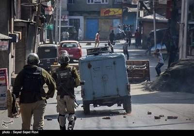 کشمیریوں اور بھارتی فورسز کے درمیان جھڑپیں