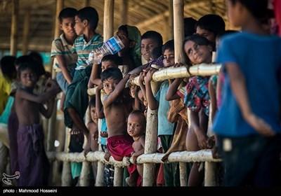 مخیمات المشردین الروهینغا فی بنغلادش