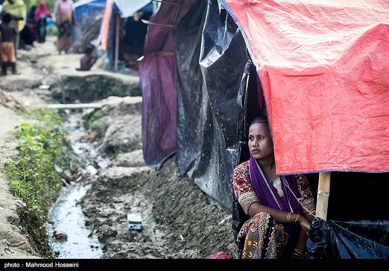 Thousands of Rohingya Refugees Warned over Risk of Floods