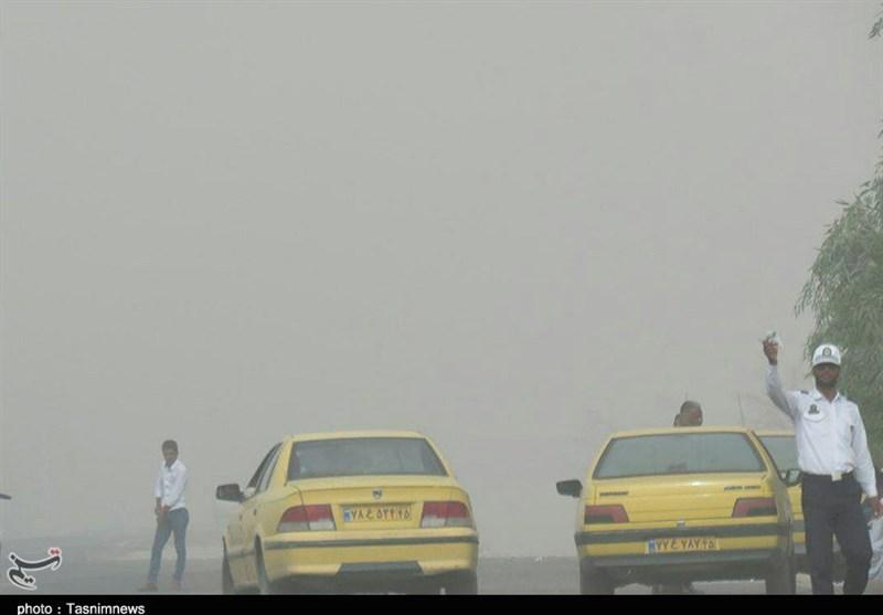 کرمان| طوفان شن مسافران نوروزی در محور ریگان-چابهار را غافلگیر کرد